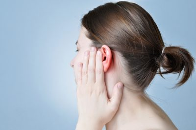 Dor atrás da orelha sem caroço